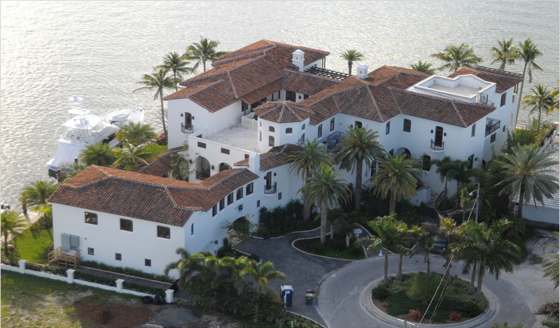 Kim Kardashian 39 S Miami House Listed On Market For 14 5 Million Photos Huffpost