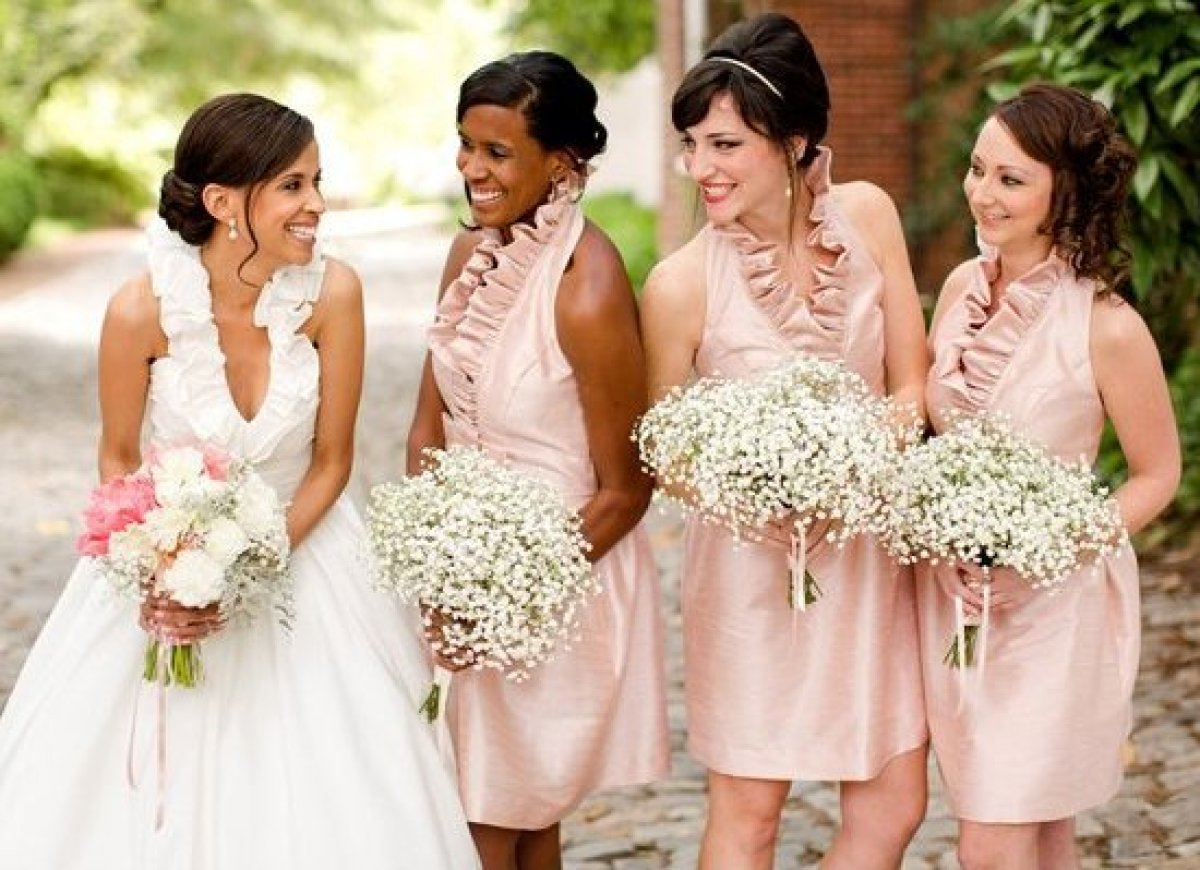 Wedding party stress expert tips on how to choose your for How to get a free wedding dress