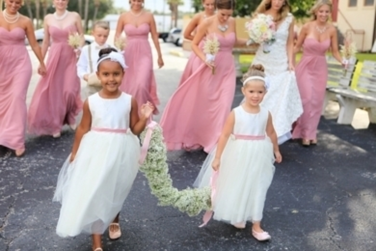 Creative Ideas for Fabulous Flower Girls - Creative Ideas for Fabulous Flower Girls Friday... | Flower, Flowers, Girls, Have,