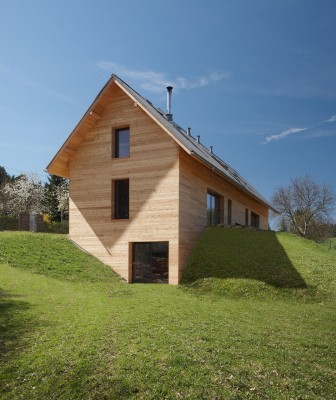 New hampshire earth sheltered home requires mowing the for Building earth sheltered homes