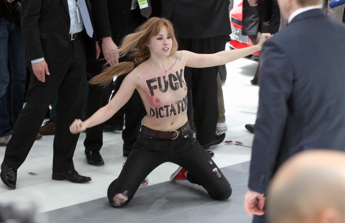 Angela Merkel Topless putin & merkel confrontedtopless.   politicalforum
