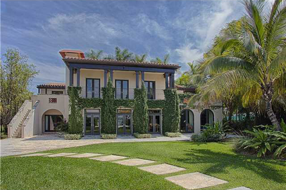 Matt damon 39 s miami house for sale for 20 million video for Miami home design usa