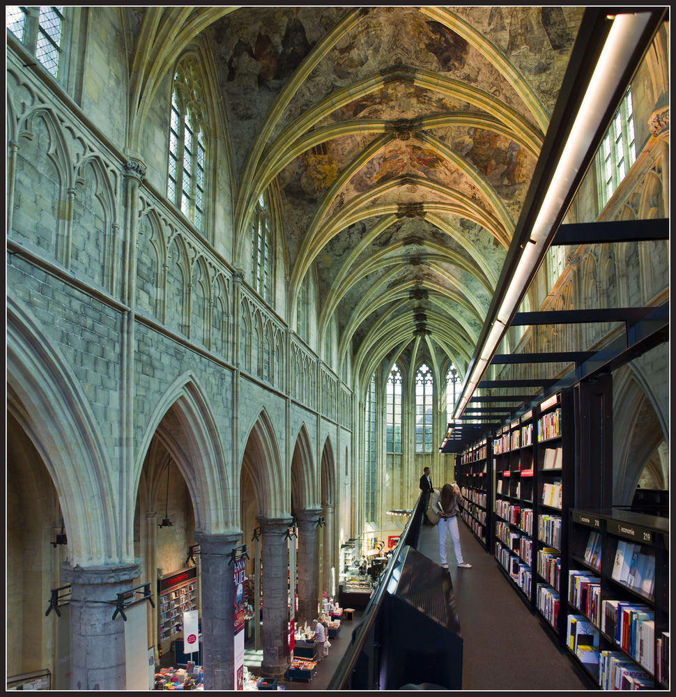 Is This Amazing Or What? It Is Called Selexyz Dominicanen Bookshop, Located  In Maastricht, In Theherlands It's A 700 Year Old, Former Church