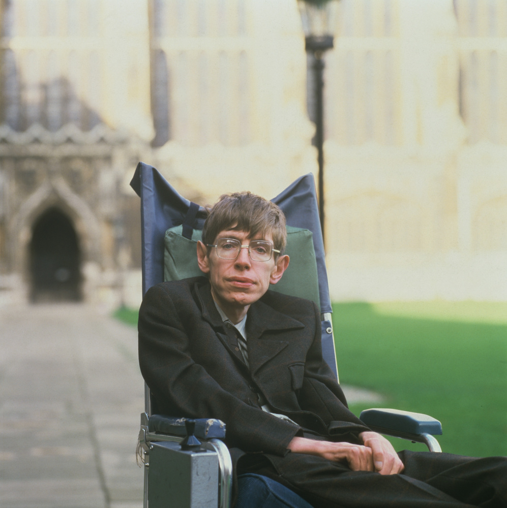Stephen Hawking Wants To Be A Villain In A James Bond ... Stephen Hawking
