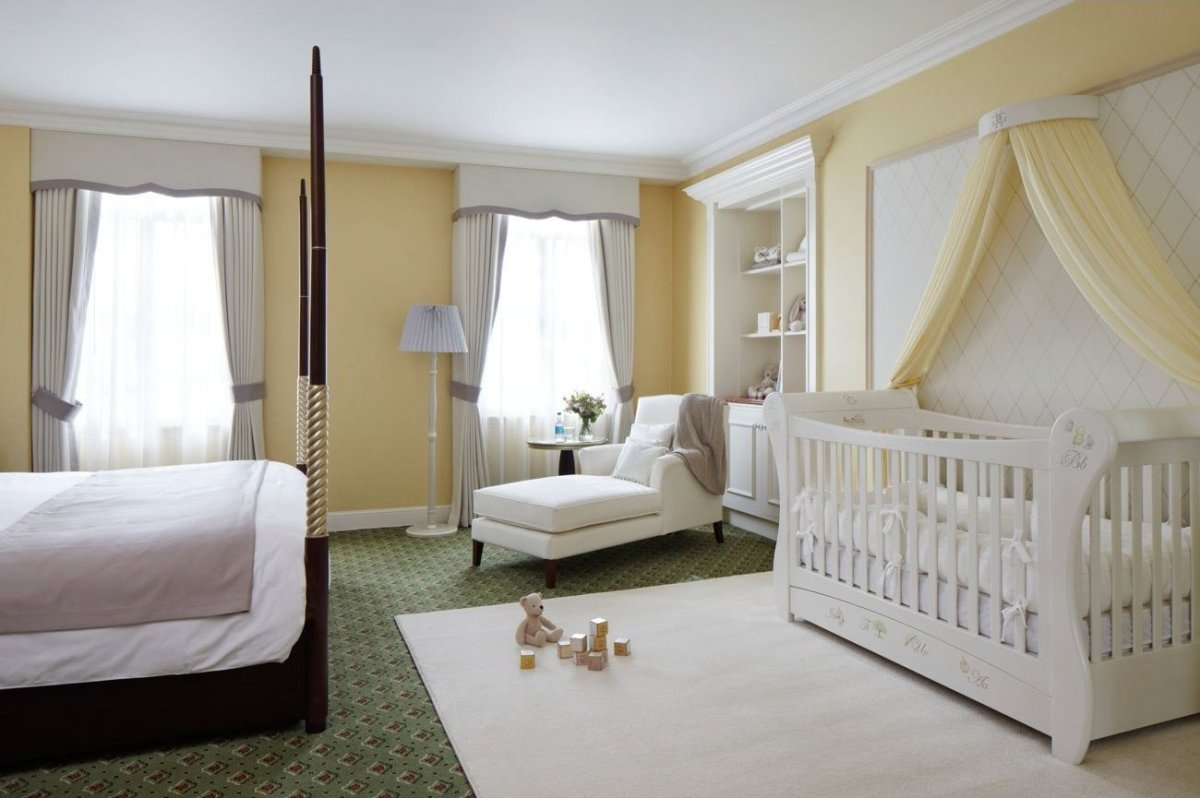 Kate middleton secrets of the royal nursery huffpost for Dormitorio 3x3