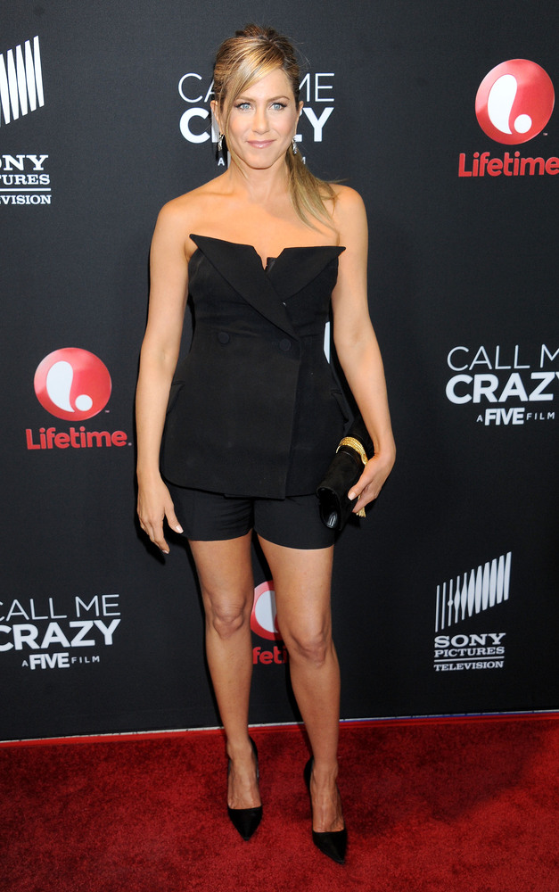 40 Celebrities Who Do Not Look Their Age: Amazing Bodies Over 40: Celebrities Whose Astonishing