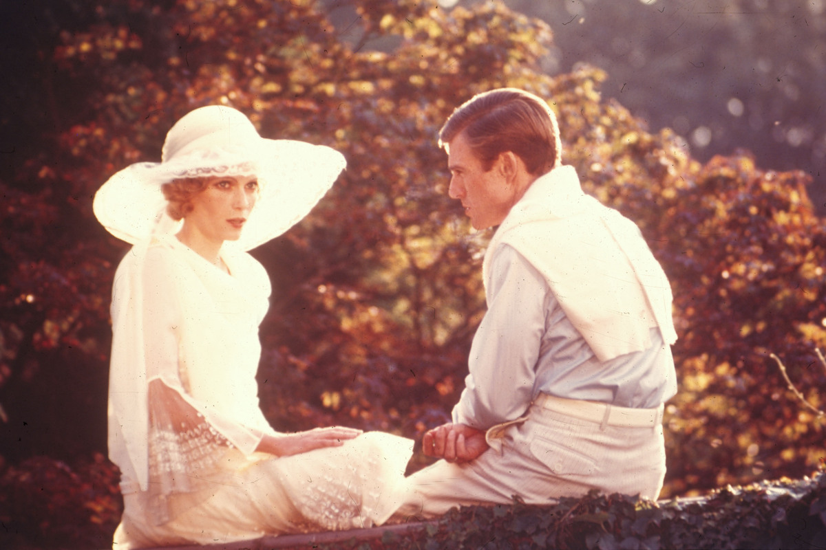 Great Gatsby Hair A Modern Take On Mia Farrow S Curly