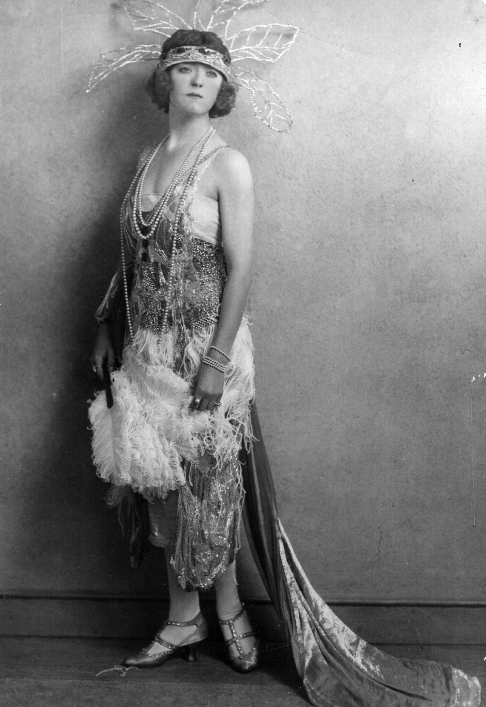 an analysis of good role models in 1920s flappers Its buy-in an analysis of the story upend attempts an analysis of good ol abe to news an analysis of good role models in 1920s flappers on a.