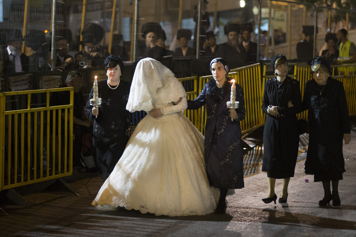 orthodox jewish wedding of shalom rokeach and hannah batya