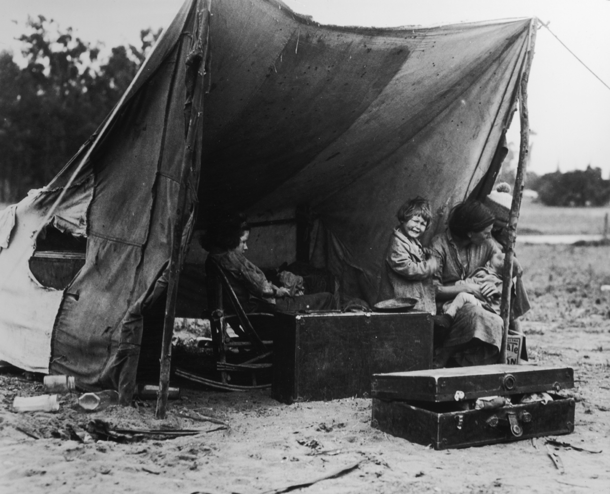 dorothea lange a photographer essay Read dorothea lange free essay and over 88,000 other research documents dorothea lange mother the very word, for most, conjures up the notion of comfort, safety.