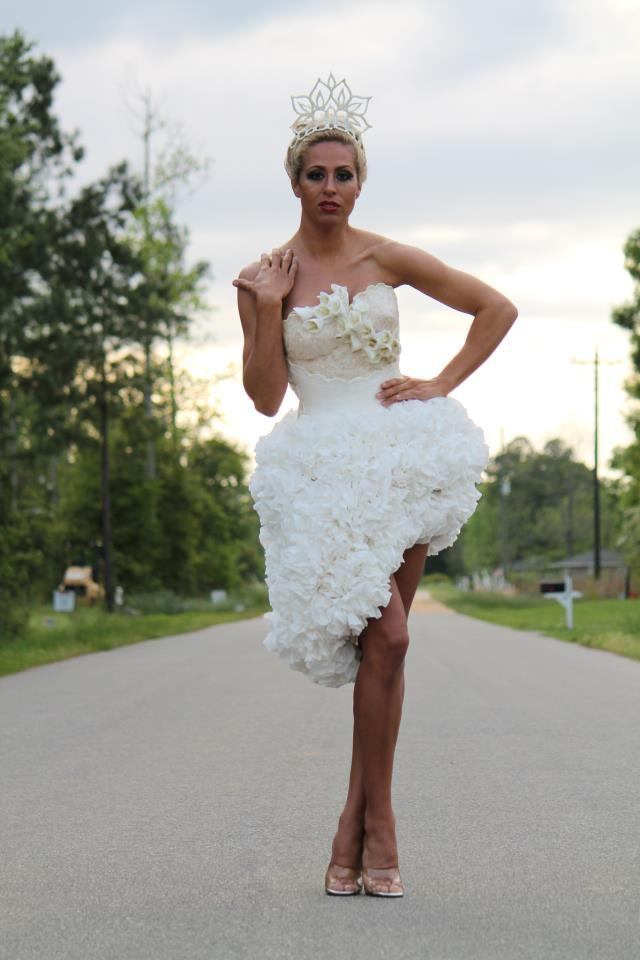 novia con vestido corto