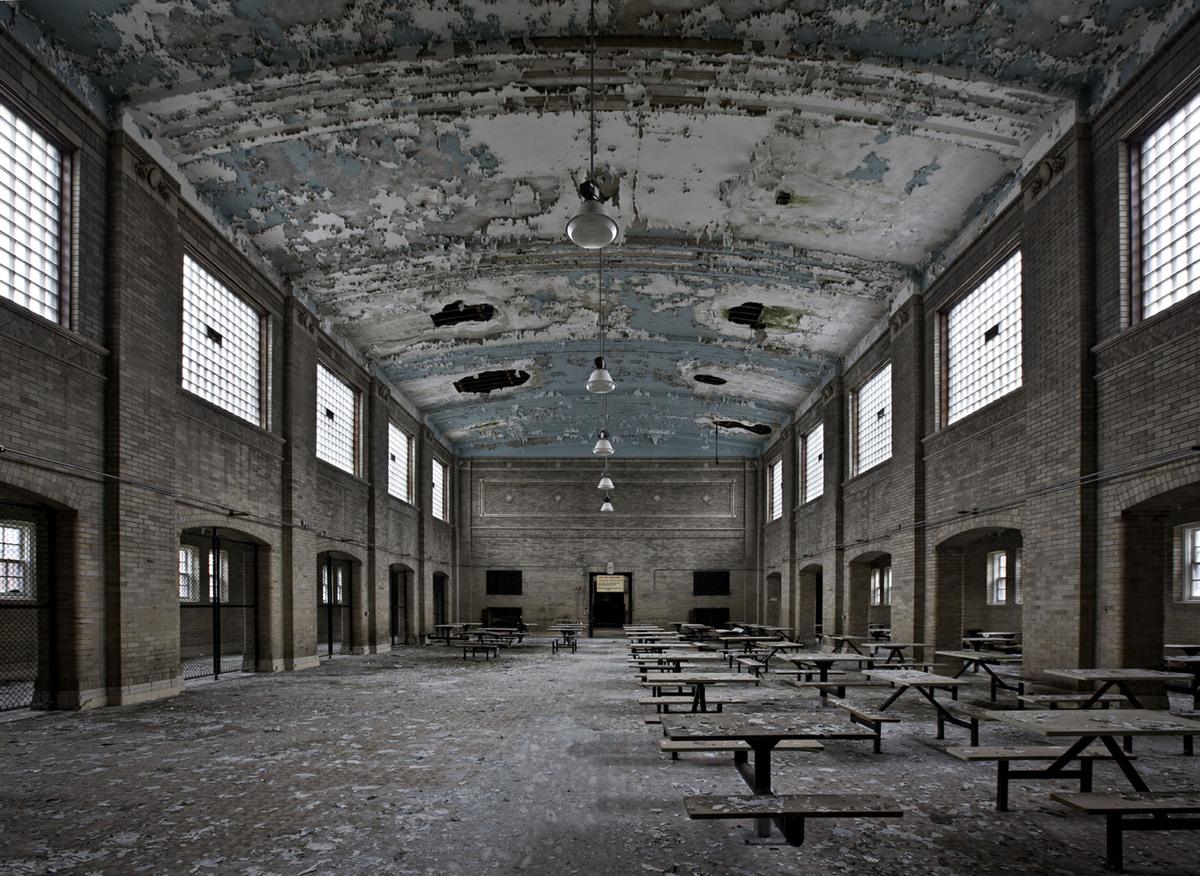 Abandoned america matthew christopher photographs for Abandoned neighborhoods in america