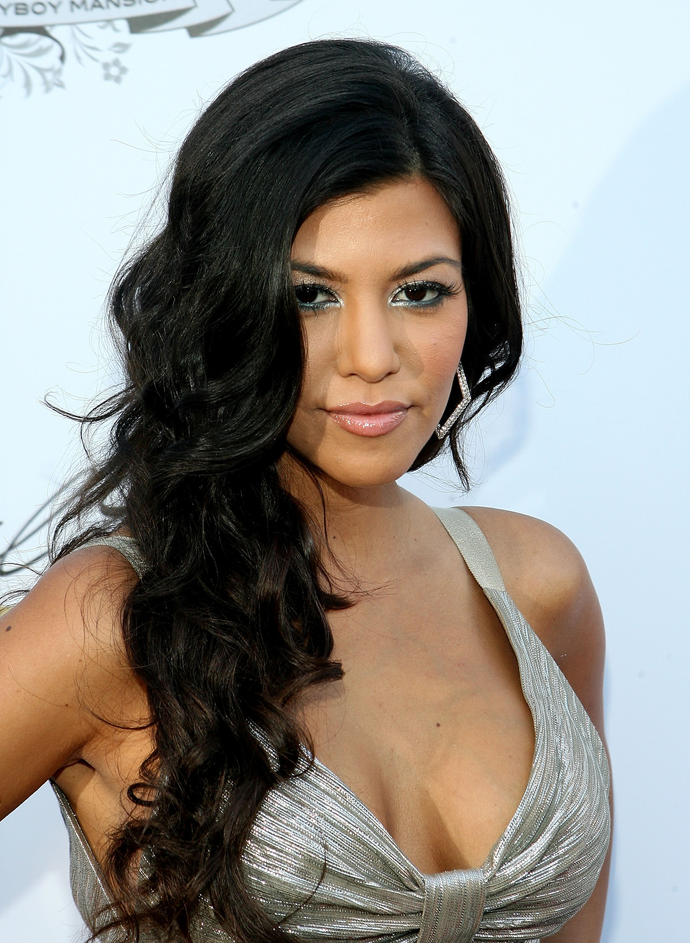 Kourtney kardashian curly hairstyles