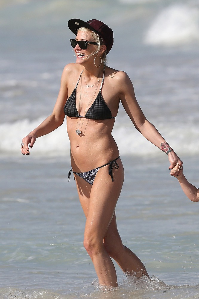 Bikini Sharon Angela naked (81 pics) Boobs, 2020, braless