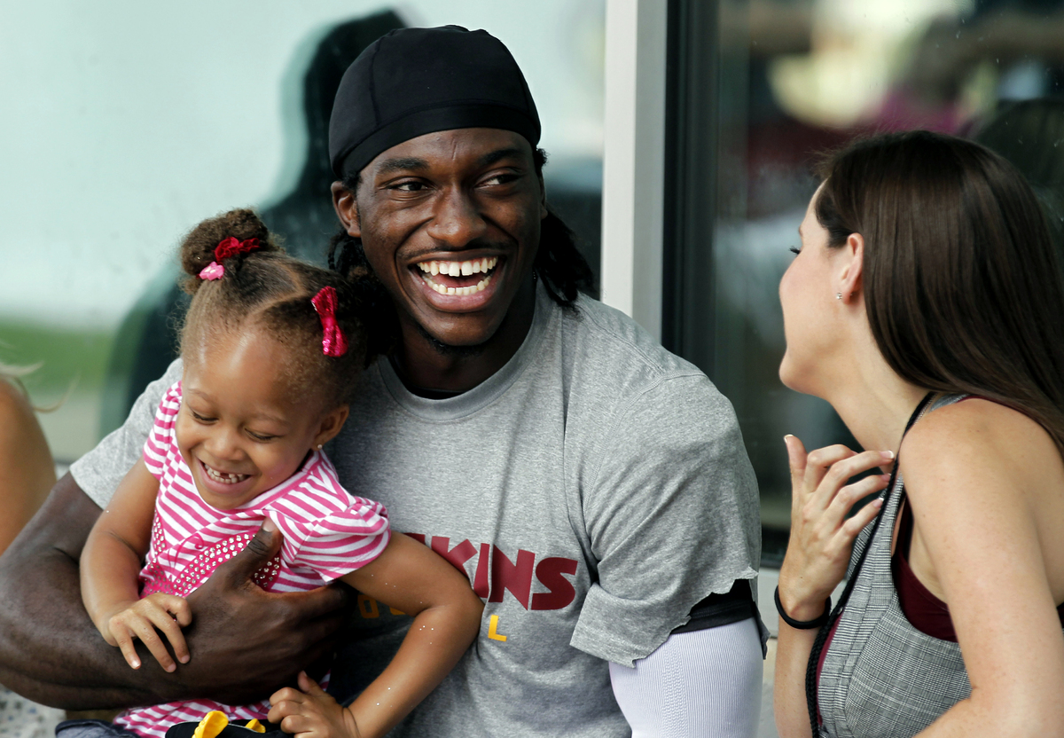 RG3 Releases Weird Video Pop Rocks And Tootsie Pops With Wife Rebecca Liddicoat After