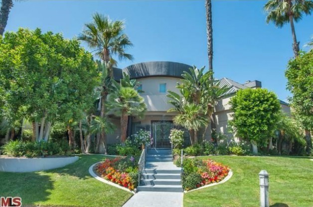 Shaq 39 s house in beverly hills for sale by japanese pop for Shaquille o neal s home