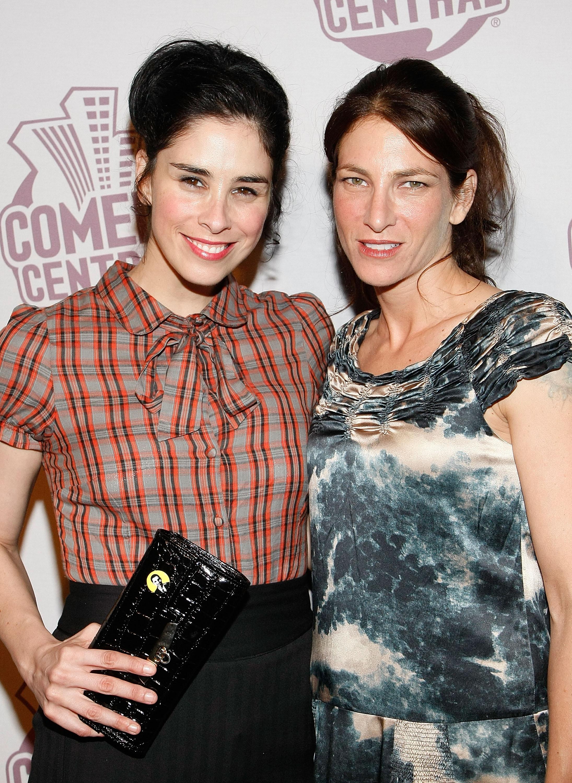 Pregant Lauren Silverman Steps Out As Simon Cowell Love Child Scandal