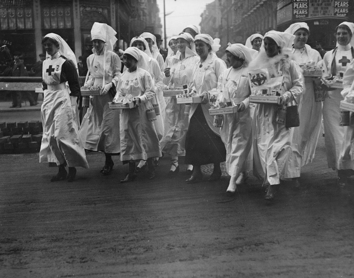 Смотреть немецкое медсестра 24 фотография