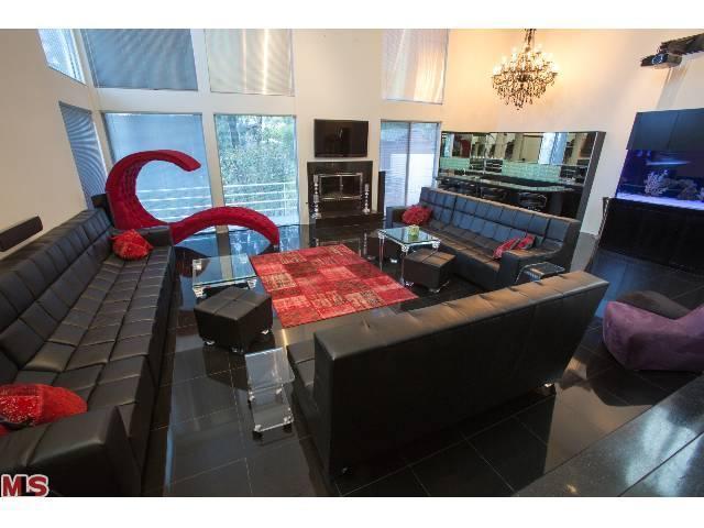 Alex Trebek S Former Home On Mulholland Drive Is For Sale