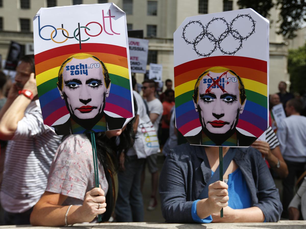 Все понял россия против геев резко скомандовала