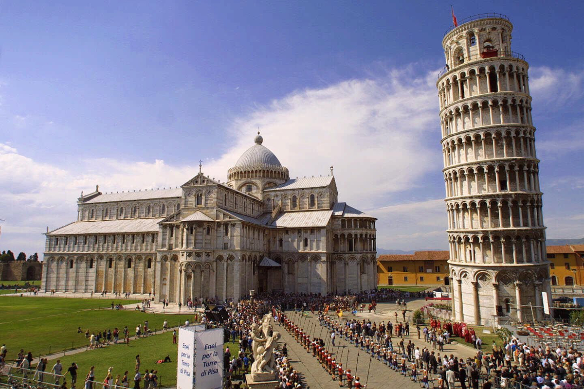 It looks like the leaning tower of pisa is finally straightening out huffpost - Leaning tower of pisa ...