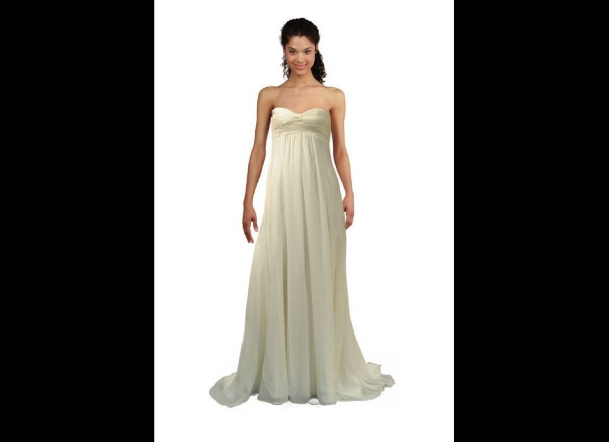 Perfect wedding dresses for petite figures huffpost for Petite bride wedding dress