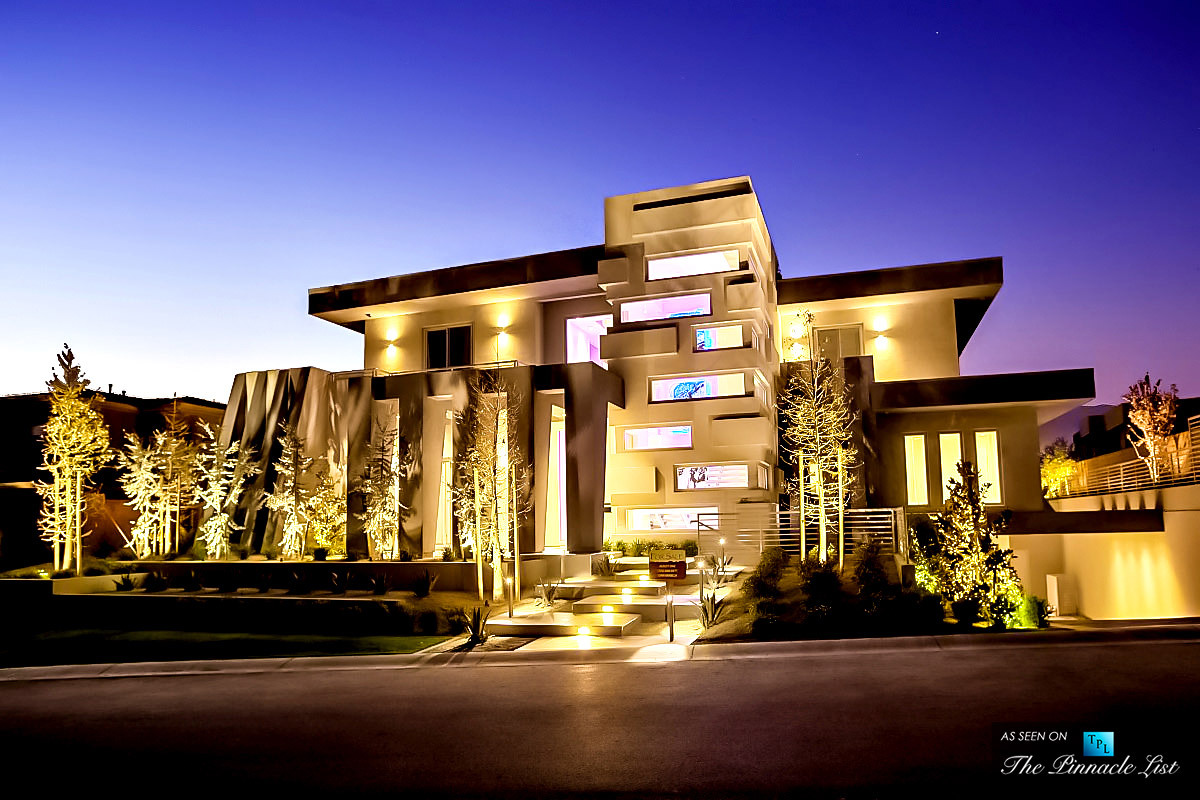 Hurtado Residence Is The Epitome Of Las Vegas Luxury Homes
