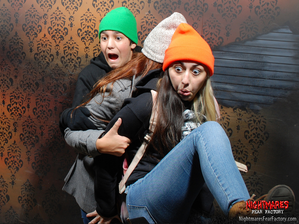 50 hilariously ridiculous haunted house reactions - Also On Huffpost