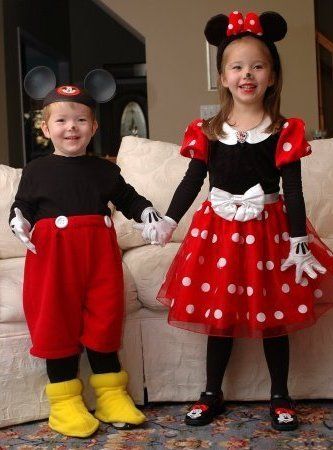 47 fun freaky and fantastic family halloween costumes huffpost - Baby And Family Halloween Costumes