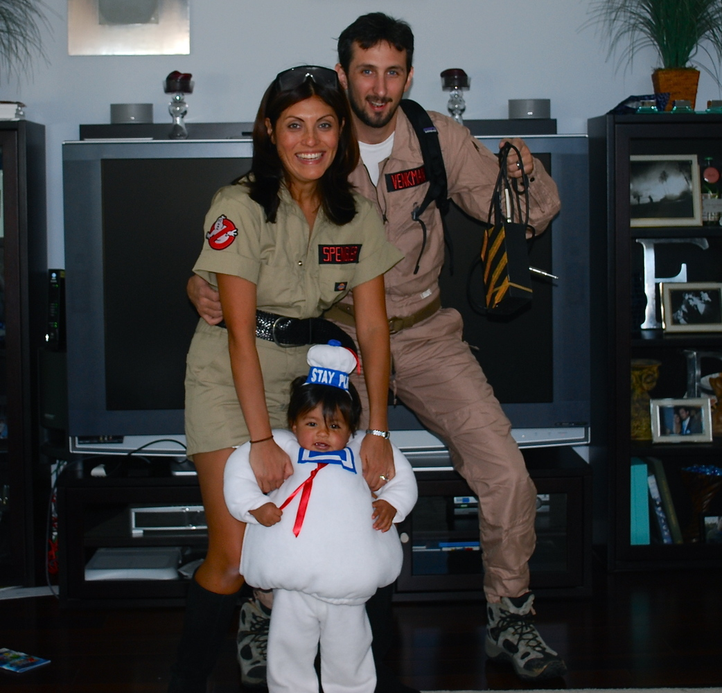 31 ghostbusters - Halloween Costumes For Parents And Baby