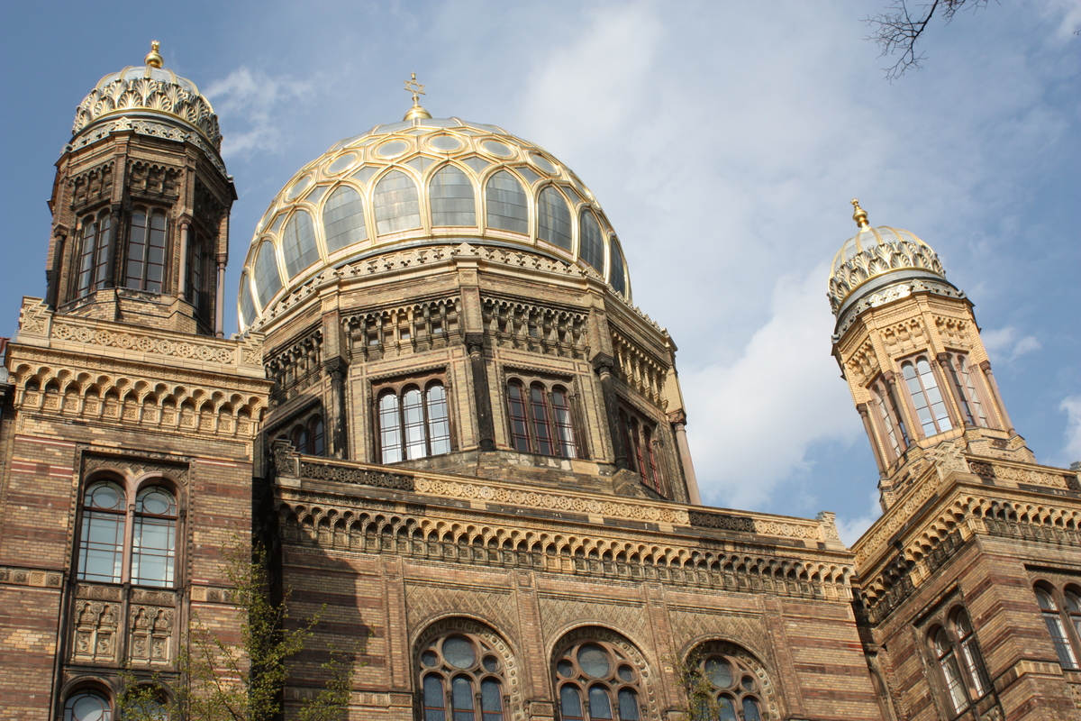 Senior Travel: Stunning Synagogues • For The Multifaceted ...