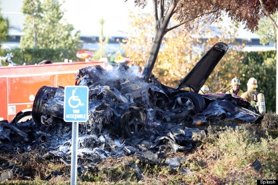 paul walker crash photos show severity of accident huffpost. Black Bedroom Furniture Sets. Home Design Ideas