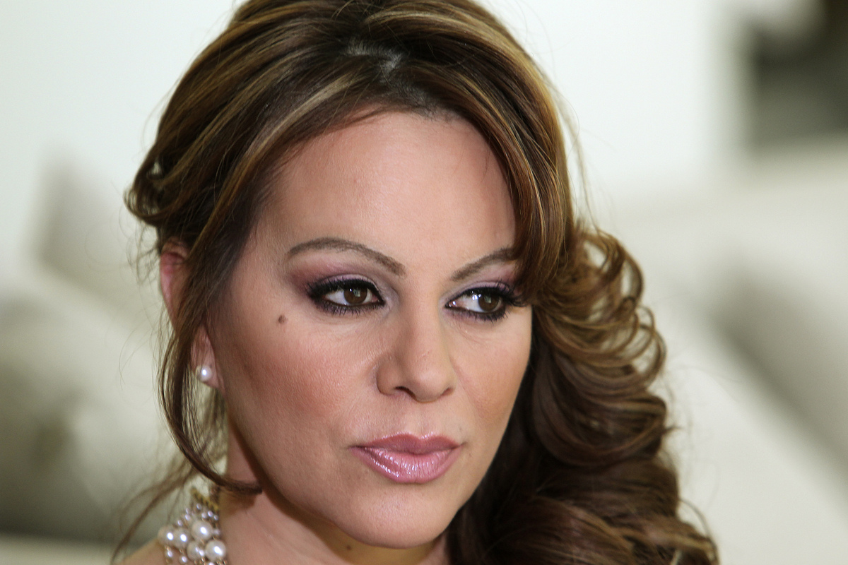Female Singer That Died In 2014 | MEJOR CONJUNTO DE FRASES