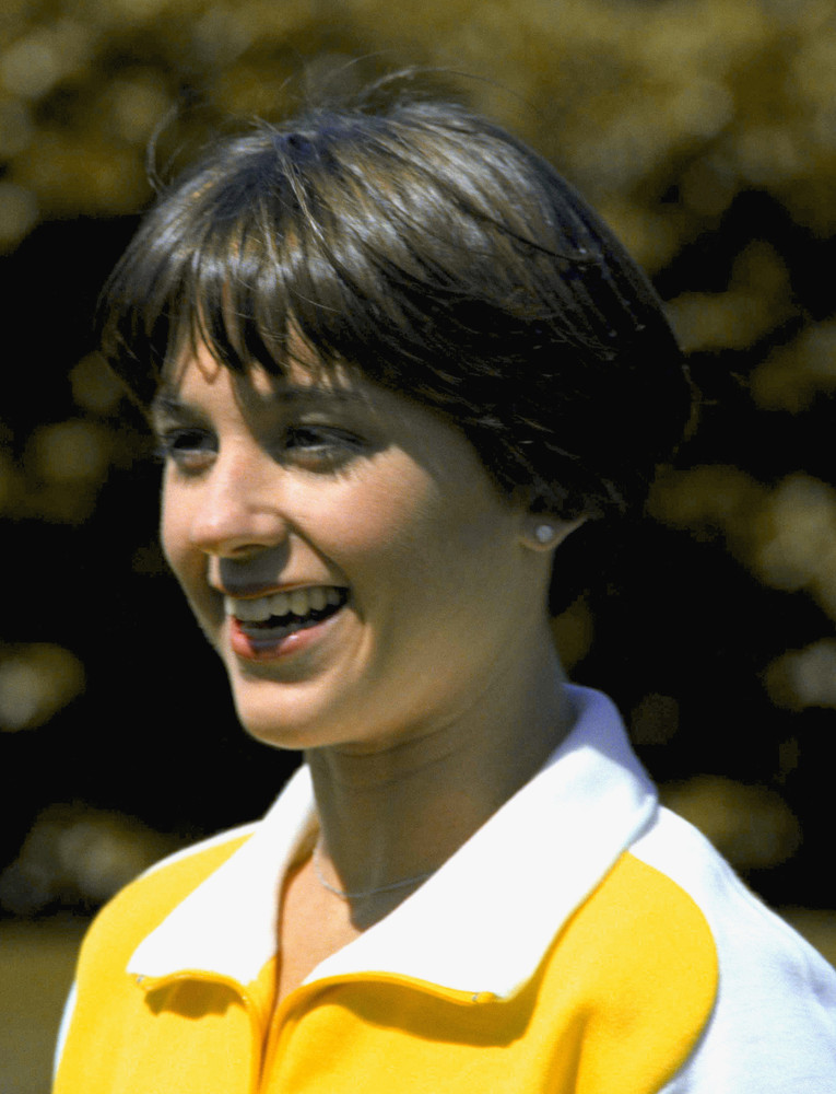 dorothy hamill haircuts 5 of the worst hairstyles huffpost 1943