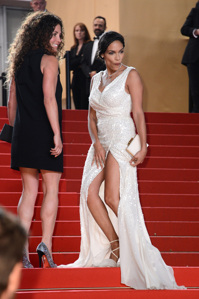 Jessica Alba Turns A Wardrobe Malfunction Into A Marilyn Monroe Moment | HuffPost
