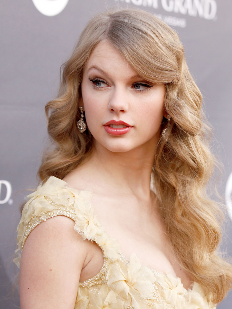 Photo Collection Curly Hair Taylor Swift