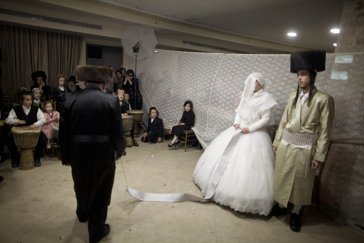 jewish marriage Jewish weddings a traditional jewish wedding is full of meaningful rituals, symbolizing the beauty of the relationship of husband and wife, as well as their love to.