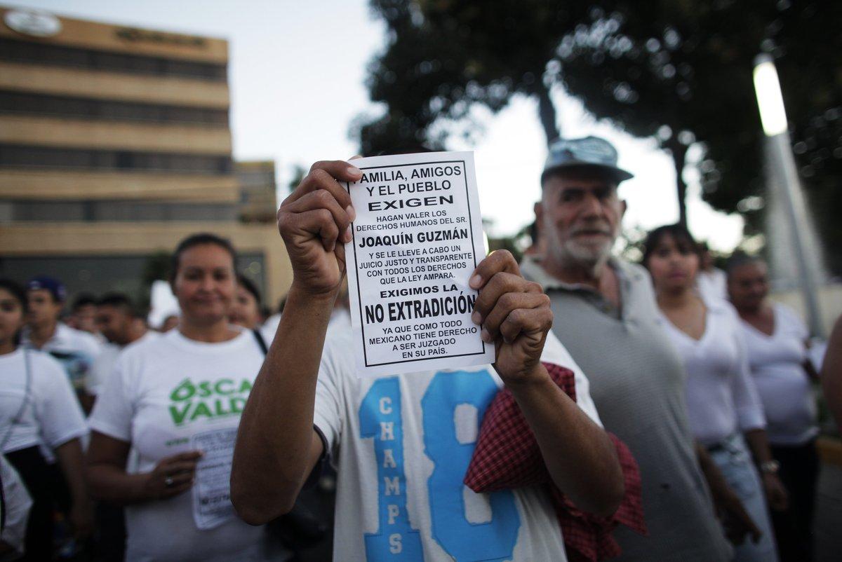 """manifestazione per la liberazione di Joaquin """"El Chapo"""" Guzman"""