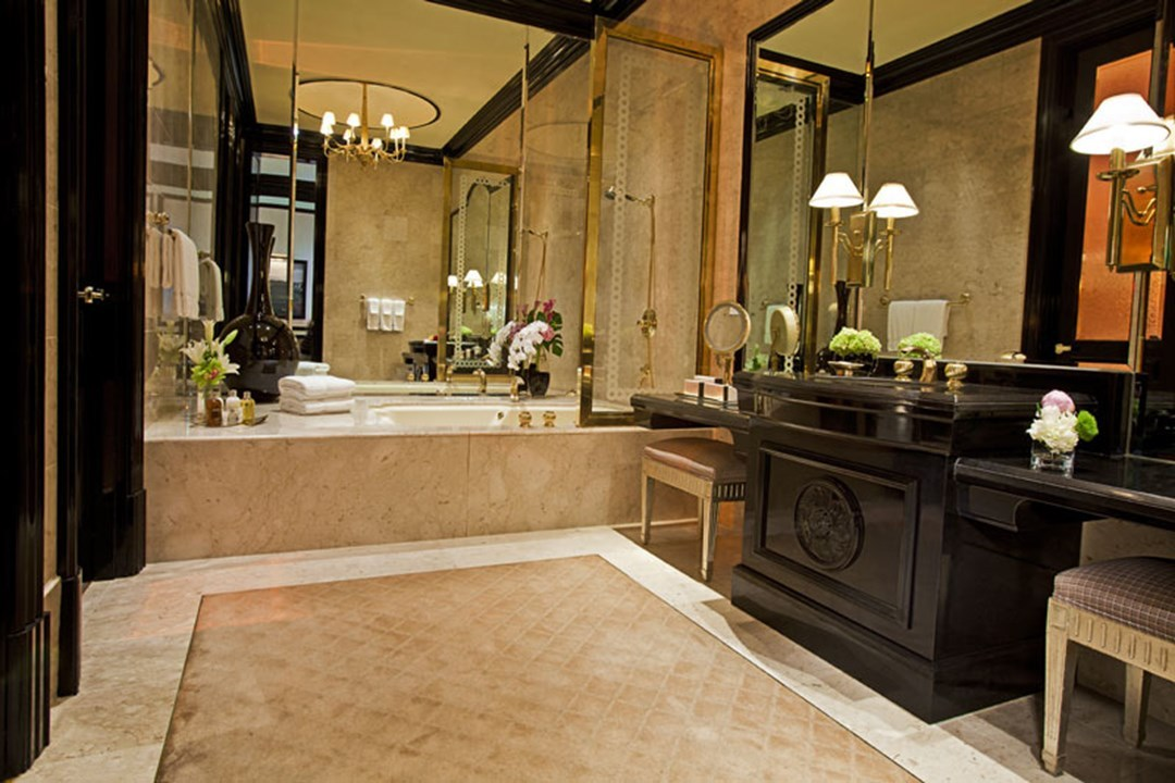 The Most Luxurious Hotel Bathrooms In Las Vegas PHOTOS