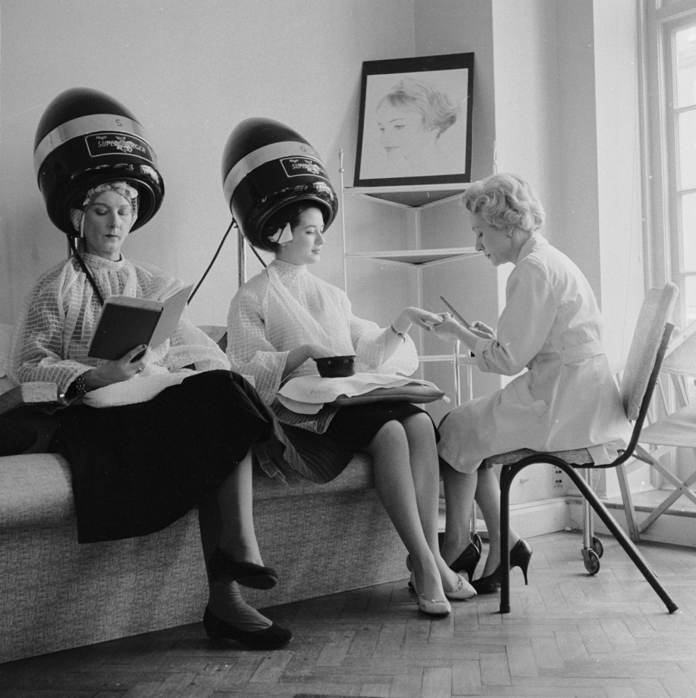 These Vintage Hair Dryer Photos Make It Seem Cool Under The Hood | The ...