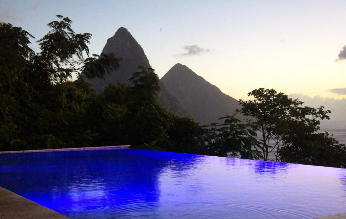 relax on the edge of forever: 8 breathtaking infinity pools | huffpost