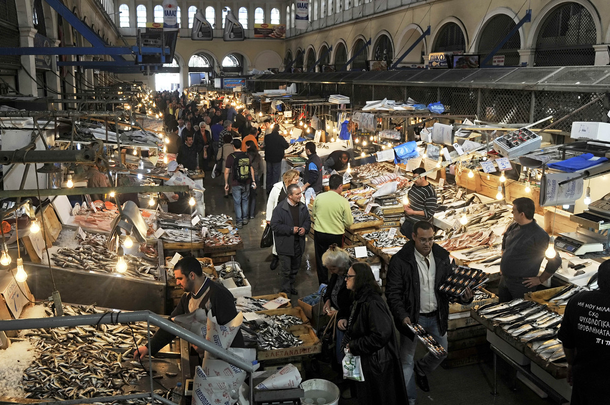 Daily life in greece the birthplace of democracy in all for Central fish market