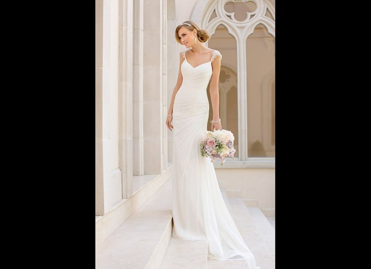 These Weddings Gowns Remind Us That Simple Is Stunning