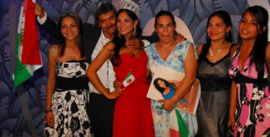 Alejandra Espinoza Y Su Hermana | www.imgkid.com - The ...