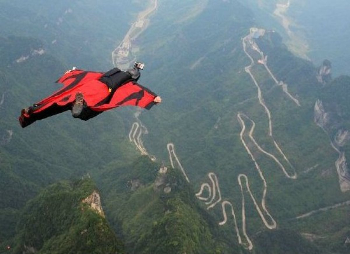 Daring Wingsuit Flyer Gives Us A Gnarly Birds-Eye View Of ...