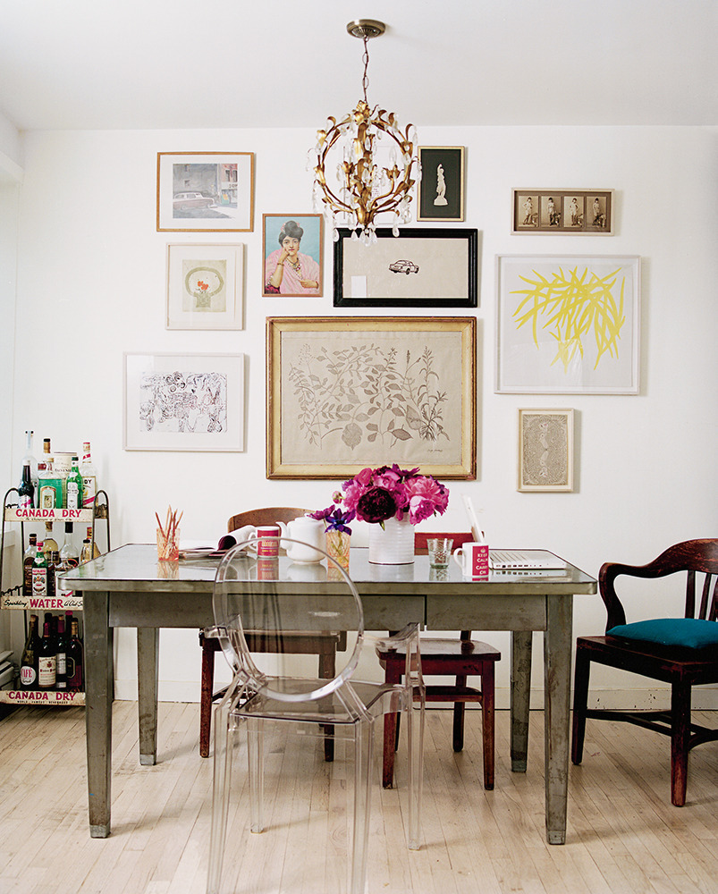 14 blank wall ideas you haven 39 t thought of photos huffpost for What to put on dining room walls