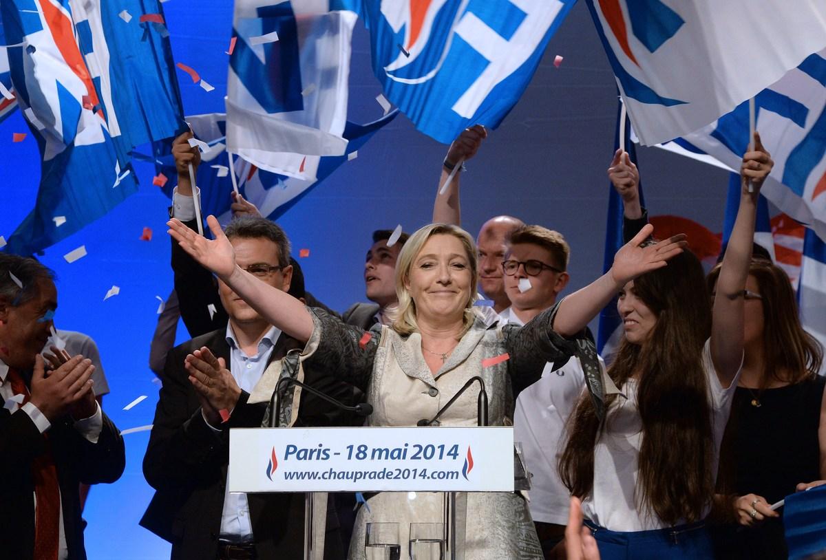 Getty Images 国民戦線は今回の欧州議会選挙で、反移民の方針... 入れ墨やヘイトスピ