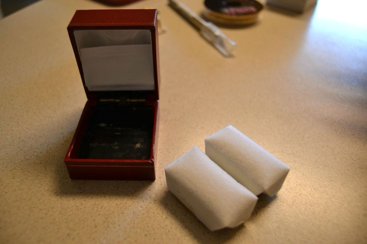 This Engagement Ring Came In A Sad, Little Box Now It Lookspletely  Different