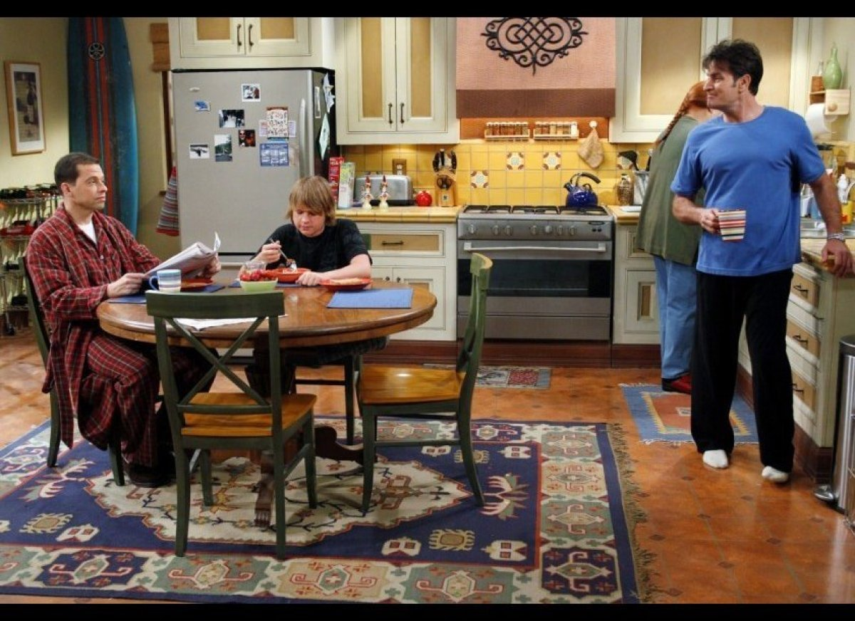 The 13 most important kitchens on television huffpost - Show picture of kitchen ...