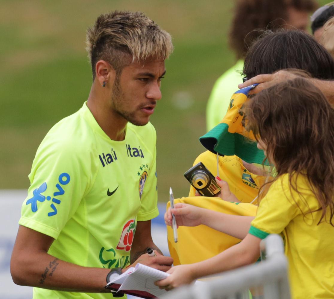 Coupe de cheveux neymar 2014 coupe de cheveux for Neymar 2014 coupe de cheveux
